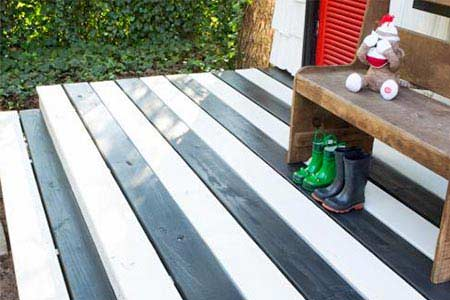 painted deck cleaning